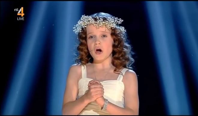 Nincsenek rá szavak! Az Ave Maria egy kislánytól.