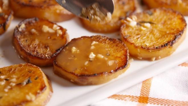 Ez már majdnem sütemény! Így készüí a legfinomabb sült krumpli.